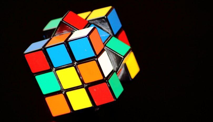 Lär dig lösa Rubiks kub
